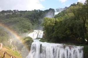 Dopo la pioggia viene il sereno, e l'arcobaleno... il bello della primavera