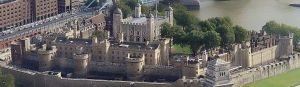 Tower_of_london_from_swissre_panoramic