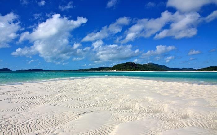 World___Australia_Whitehaven_Beach_in_Australia_060422_.jpg